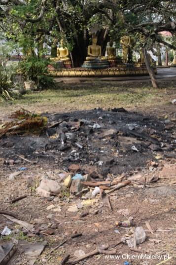 tu Budda, tam śmieci, taki mamy klimat ;-)