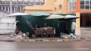 uliczni sprzedawcy, Laos