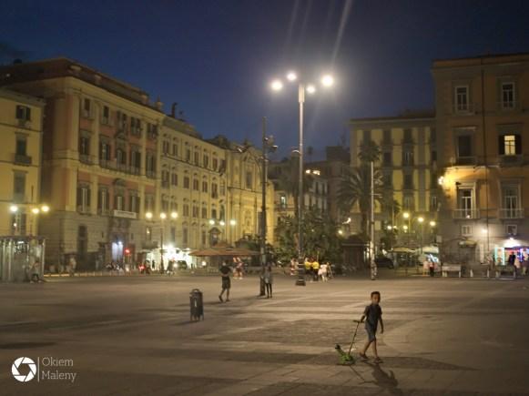 Plac Dantego, Neapol