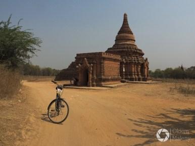 rowerem przez Bagan