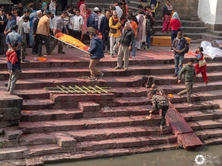 kremacje w Pashupatinath, Katmandu