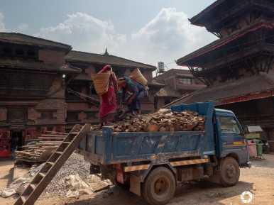 Bhaktapur - odbudowa po trzęsieniu ziemi w Nepalu w 2015