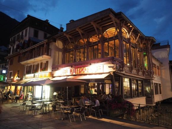 Chamonix po zmroku