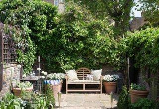 Ideas for Stunning Urban Gardens on Small Urban Patio Ideas id=77928