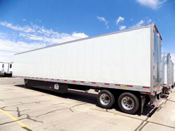US Trailer Rental Sales Lease and Storage Buys Rents and Repairs All Commercial Trailers Reefers Flatbeds and Dry Vans image_20171206_043849_82
