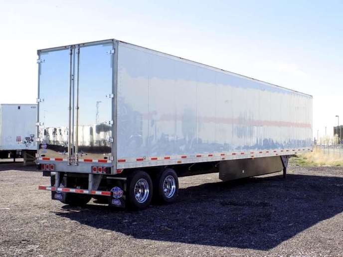 US Trailer Rental Sales Lease and Storage Buys Rents and Repairs All Commercial Trailers Reefers Flatbeds and Dry Vans image_20171206_043853_123