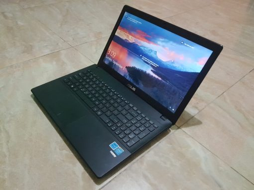 Slightly used Asus X551MA laptop for sale in Accra Ghana