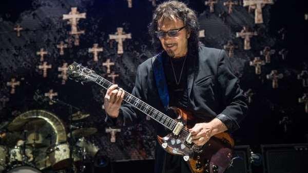 """Eddie Van Halen """"Eu realmente sinto falta dele"""", diz Toni Iommi"""