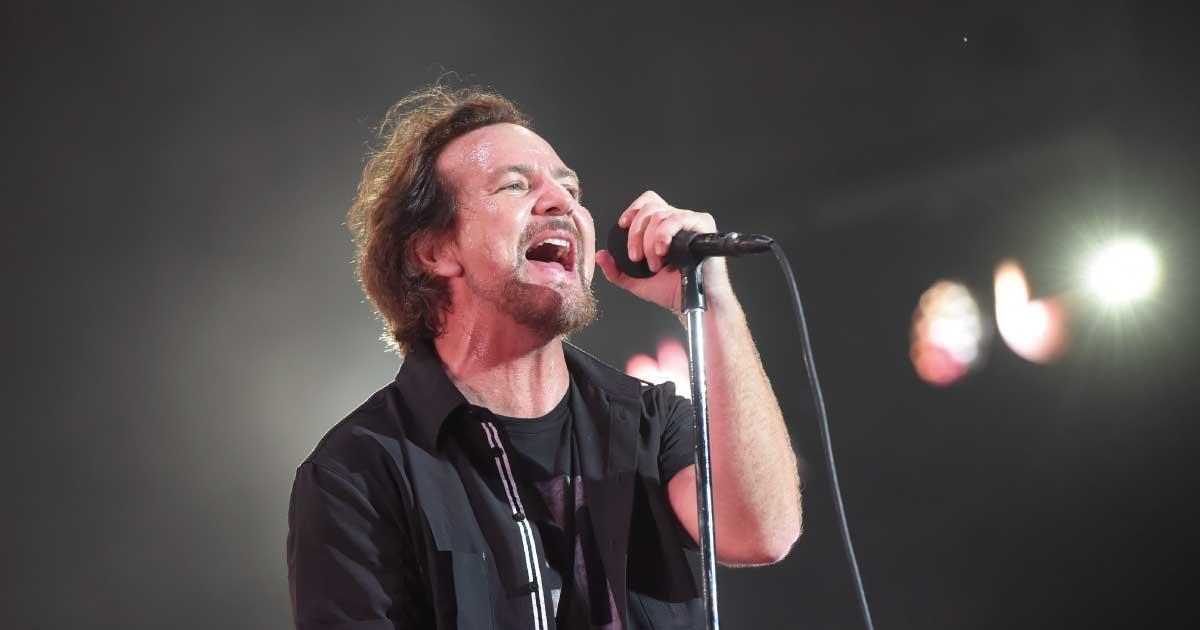 Pearl Jam adia turnê europeia e libera show ao vivo no Youtube