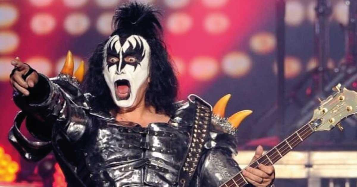 "Gene Simmons pede desculpas a David Lee Roth depois chama-lo de ""Elvis inchado"""