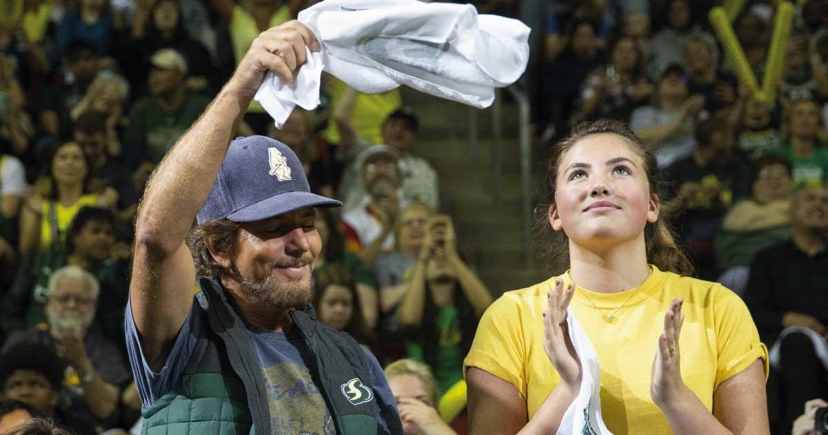 """Olivia Vedder, filha de Eddie Vedder do Pearl Jam, lança o single """"My Father's Daughter"""""""