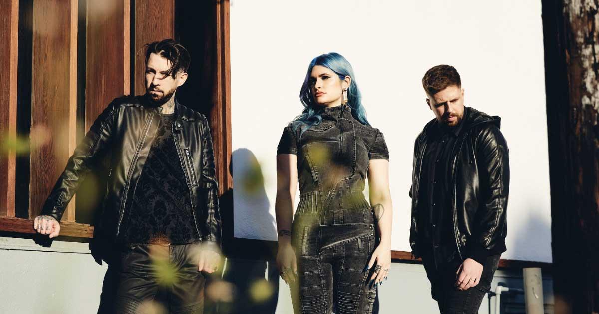 "A banda canadense de heavy metal Spiritbox acaba de lançar o seu álbum de estreia, ""Eternal Blue"""