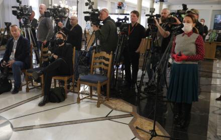 """Media solidarnie protestują przeciw rządowemu """"podatkowi od reklam"""". Dla wielu mediów oznacza upadek"""