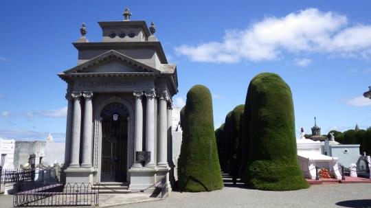 Hrvati i na groblju