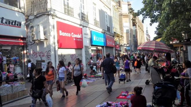 Na ulicama se prodaje sve