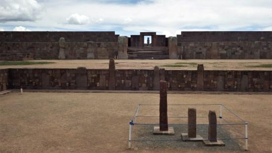 Tiwanaku hram s monolitnim skulpturama