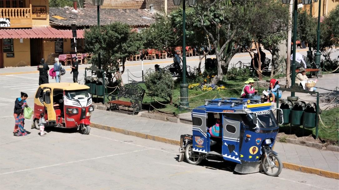 U Ollantaytambu svi se prevoze šarenim tuktukovima