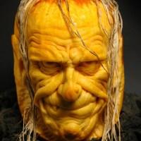 Dyniowe rzeźby na Halloween