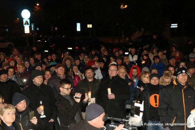 Protest poparcia dla nauczycieli w Kole - strajk nauczycieli 2019 - protest z wykrzyknikiem