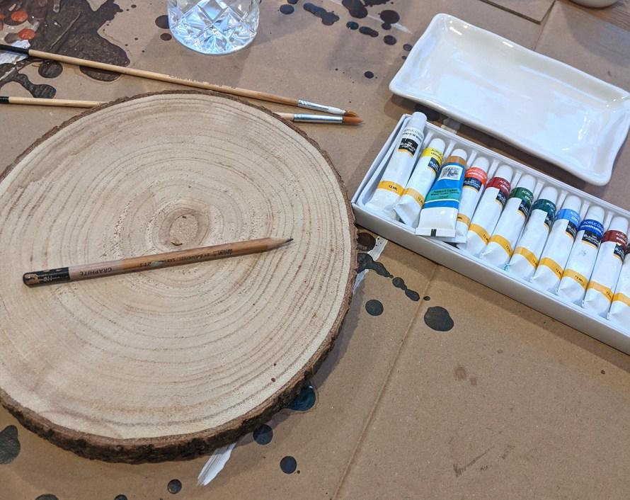Oktoberdots Schilderen op hout schetsen