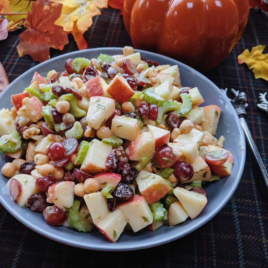 Vegan Waldorf salade met kikkererwten