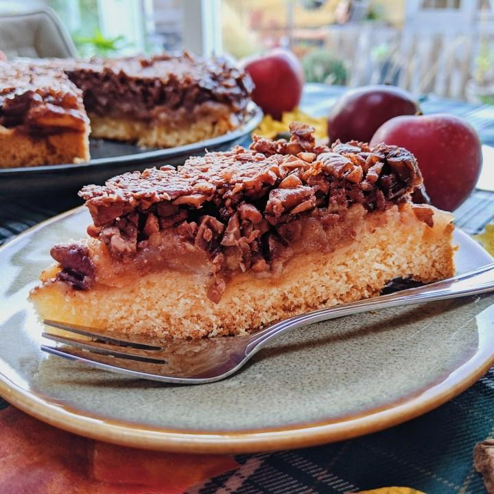 Oktoberdots ondersteboven appel en pecan taart