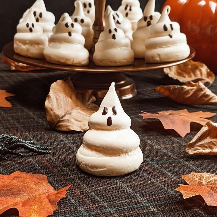 Oktoberdots spook meringues
