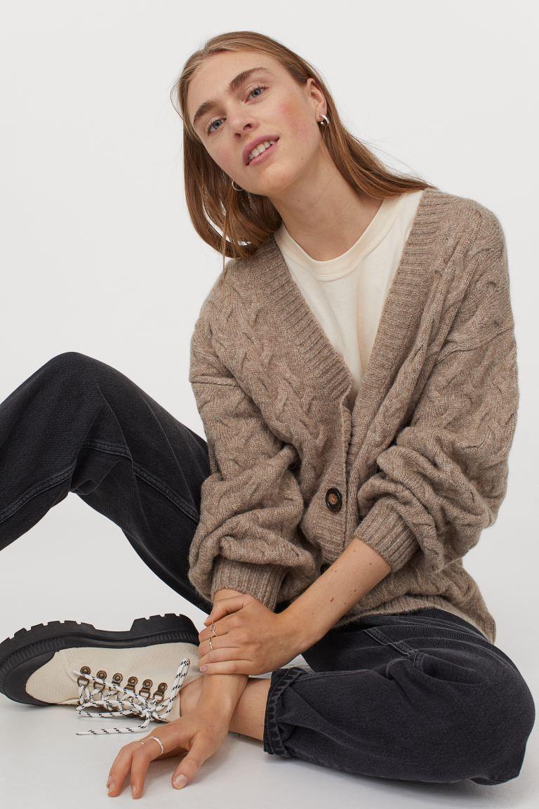 oktoberdots cosy cardigans 2020 oversized chunky knit beige vest