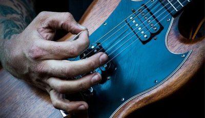 come fare un plettro per chitarra fatto in casa