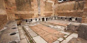 wc3 300x148 - Eski İnsanlar Tuvaletlerini Nasıl Yapıyorlardı?