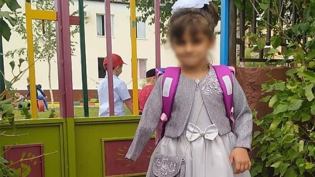Dayakçı hala, 7 yaşındaki kız çocuğunun hayatını kararttı! Kangren yüzünden kolunu kaybetti