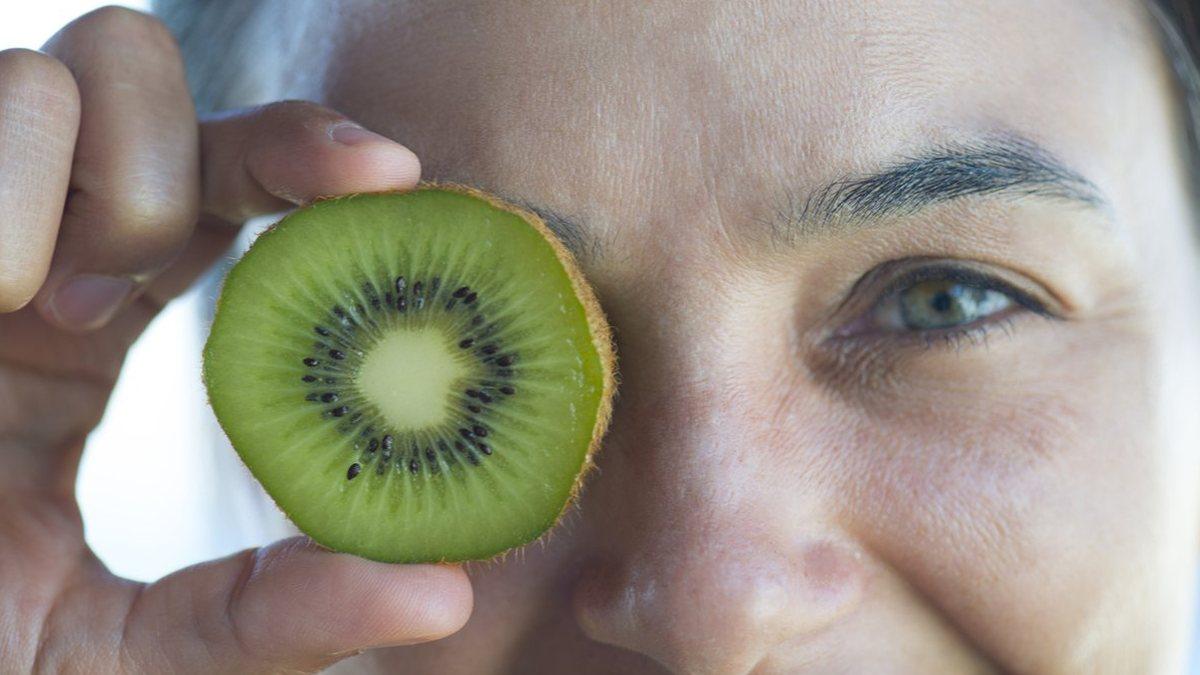 Göz sağlığı için tüketilmesi gereken besinler, OkuGit.Com - Tarih, Güncel, Kadın, Sağlık, Moda Bilgileri Genel Bloğu