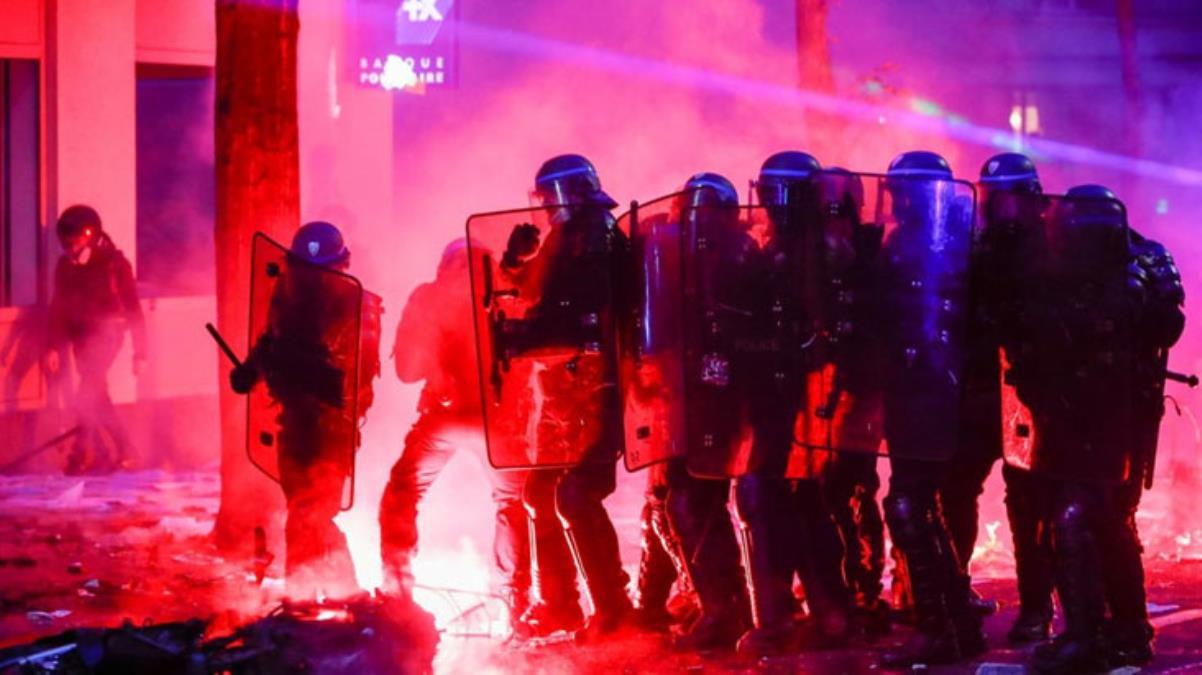 Güvenlik Yasa Tasarısı Fransa sokaklarını karıştırdı: 30 kişi gözaltına alındı, OkuGit.Com - Tarih, Güncel, Kadın, Sağlık, Moda Bilgileri Genel Bloğu