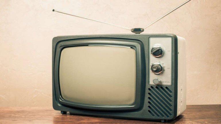 Eski Bir Tüplü TV, Tüm Bir Kasabanın İnternetini Nasıl Çökertti?