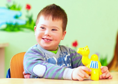 otizm - Otizm Nedir, Belirtileri Nelerdir ?
