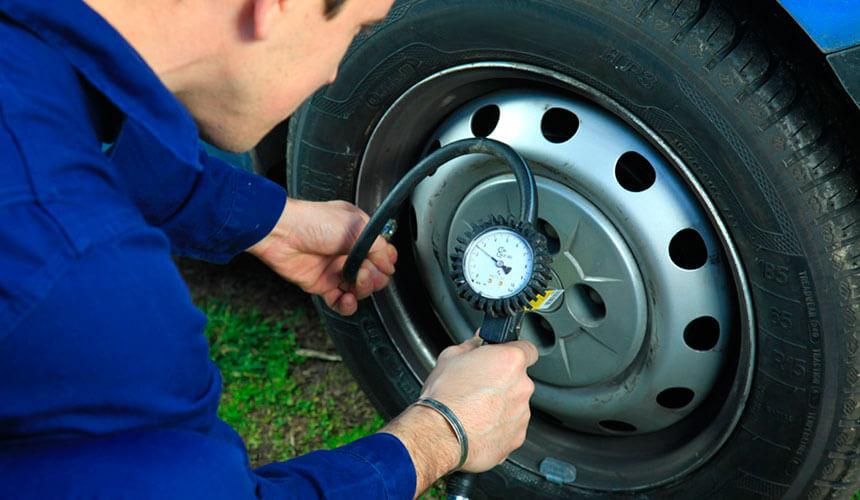arderea pneurilor de rezervă