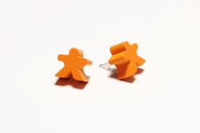 spiel-po%cc%88ppel-ohrstecker-orange
