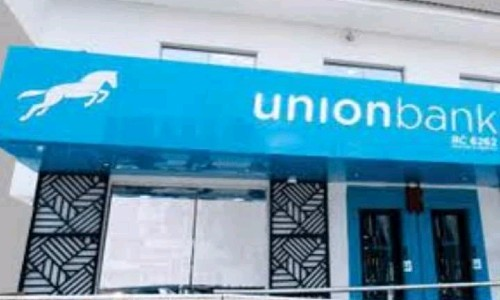 JUST IN: Police Station Blocked as Armed Robbers Attack Bank in Ondo Community