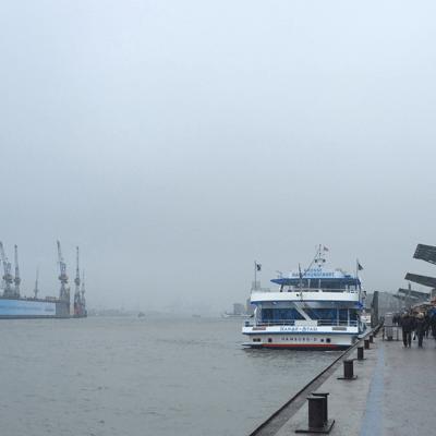 Landungsbrücke sous la brume. Adieu soleil!