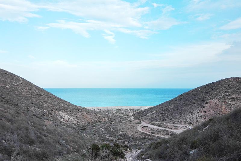 Roadtrip - Carboneras - Lamas on the road - Olamelama blog