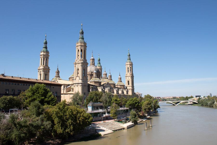 Roadtrip 2018 - Nord de l'Espagne - Saragosse - Basilique del Pilar - Vue depuis le pont de pierre