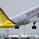 """Prieš sudūžtant lėktuvui """"Germanwings"""" piloto nebuvo kabinoje – jis bandė laužti duris"""