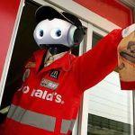 McDonalds atidarė pirmą restoraną, kuriame dirba robotai