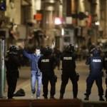 Policija užspeitė Paryžiaus teroristus: viena moteris susisprogdino, dar vieną nukovė snaiperis