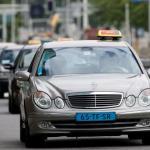 Amsterdame taksistu dirbęs ir keleivę pervažiavęs vyras apkaltintas pasikėsinimu nužudyti