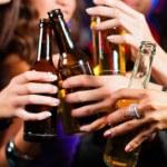 Jaunimas kyla į kovą prieš alkoholį: kai Lietuvos devintokui per metus tenka 15 butelių degtinės, to jau per daug!