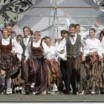 Latvija siekia pažaboti emigraciją