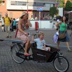 Nyderlandai svarsto galimybę uždrausti naudoti telefonus važiuojant dviračiu