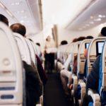 TOP 10: blogiausi keleivių įpročiai lėktuve