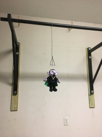 Ahhh....so happy to be able to do pull-ups again!